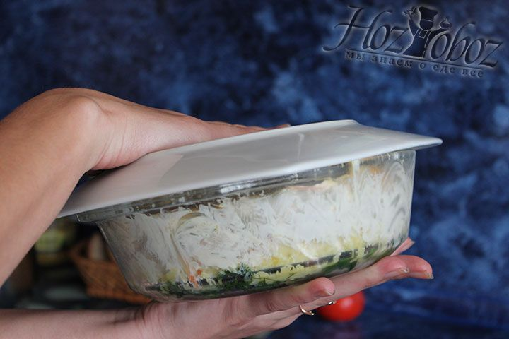 """Подготовьте салат """"Грибная поляна"""" к переворачиванию"""