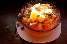 Салат с курицей ананасами