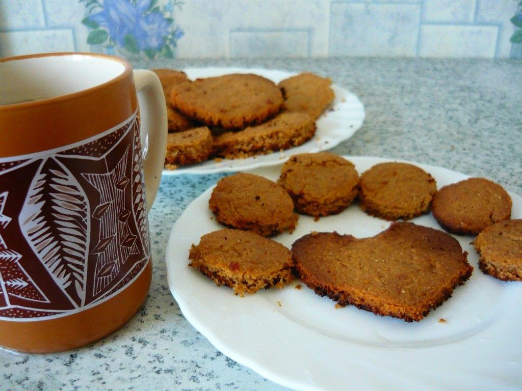 Готовим чай и подаем наше печенье гостям :)