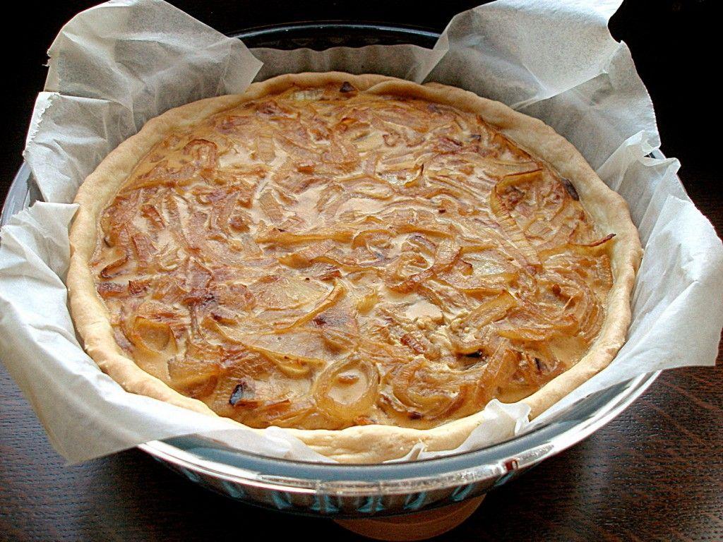 Достаем пирог через 40 минут, если вы все сделали правильно, то у вас он должен получиться вот такой вот красивый :)