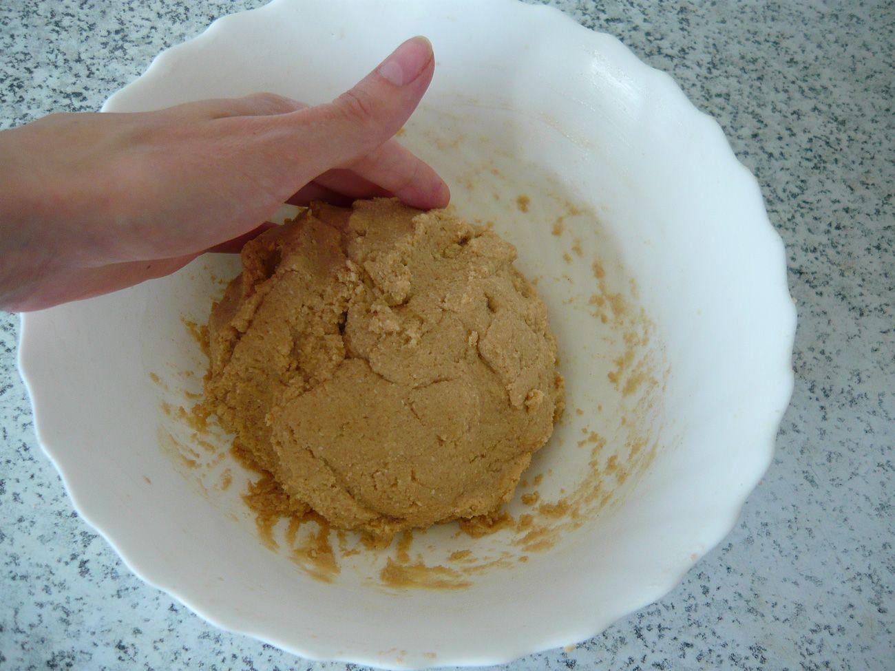 Как приготовит песочное печенье из муки и яиц