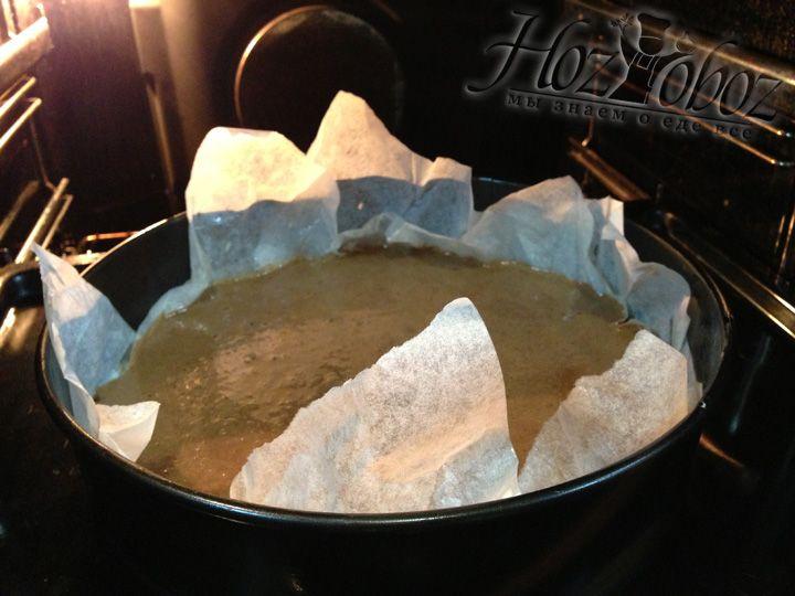 Теперь ставим форму в духовку, выпекаем 60 минут при температуре 180 градусов