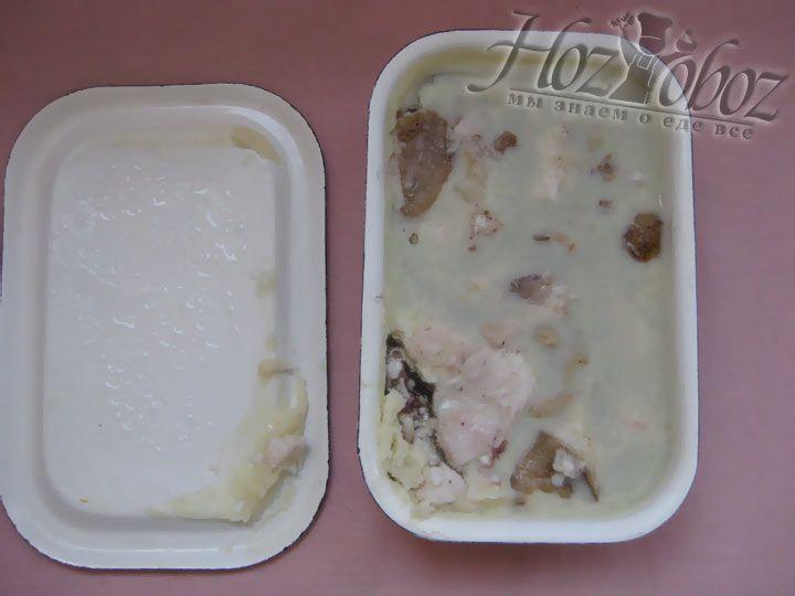 Если на поверхности холдца будет образовываться жир, то его легко снять горячей ложкой