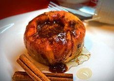Печеные яблоки с медом и корицей в микроволновке