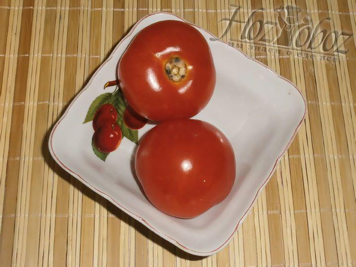 Также будем использовать два крупный томата.