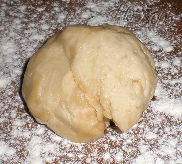 Готовое тесто следует выстоять в прохладном месте