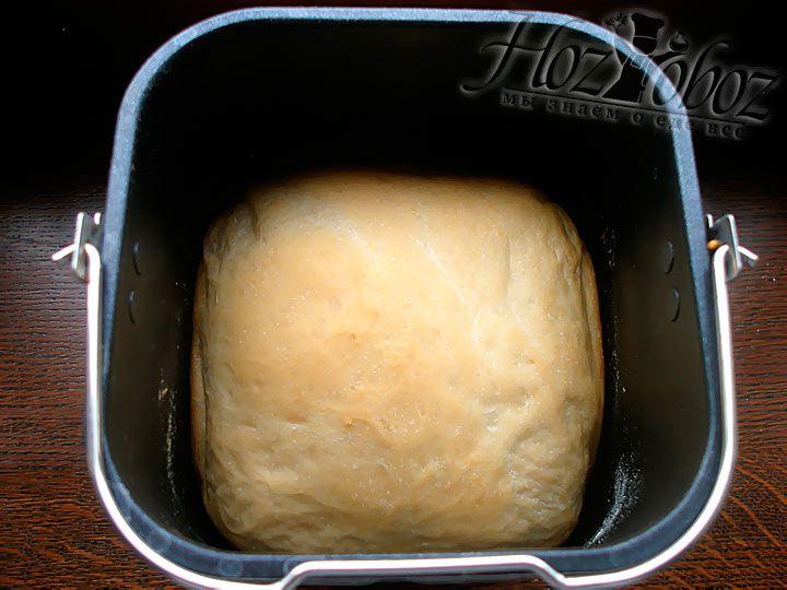 Как правило все хлебопечки подают сигнал о том что хлеб готов, хотя вы и без него поймете что хлеб готов по ароматному запаху