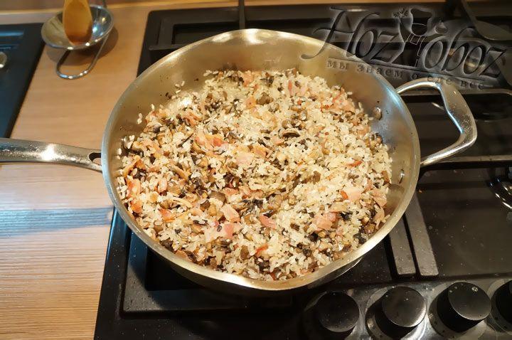 Не забудьте поджарит рис в оливковом масле не менее 3 минут - это важно для аромата блюда