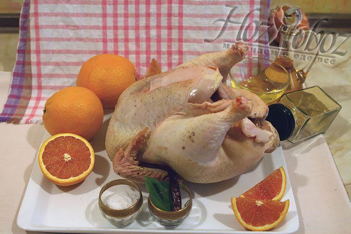 Теперь заготовим все необходимые продукты: апельсины, мед, растительное масло, соль, имбирный порошок и сушеный перец чили