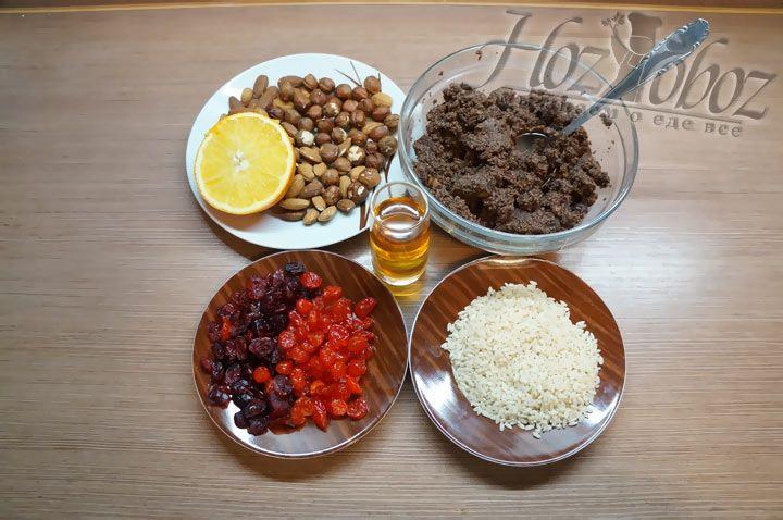 Вначале подготовим продукты которые нам понадобятся для приготовления кутьи