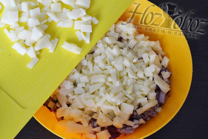 Также добавьте картошку