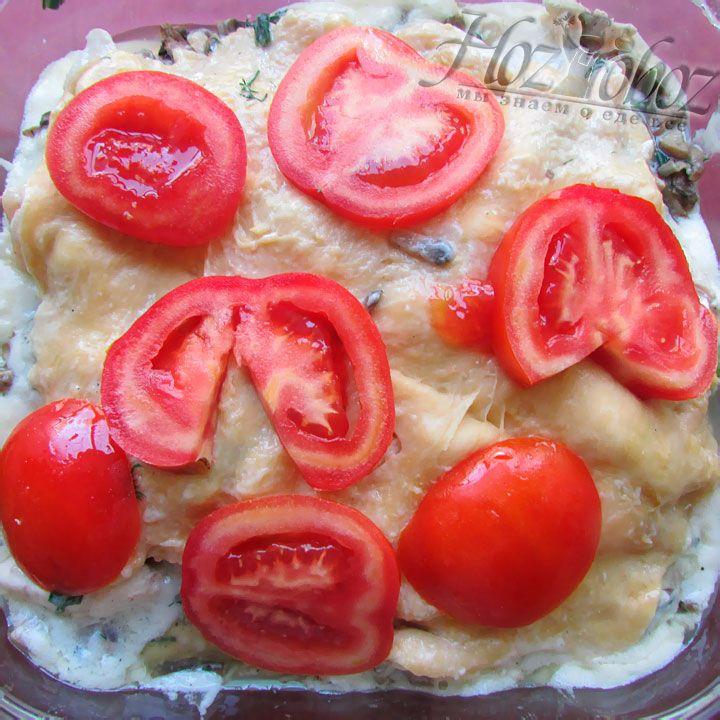 Выкладываем еще один слой помидоров