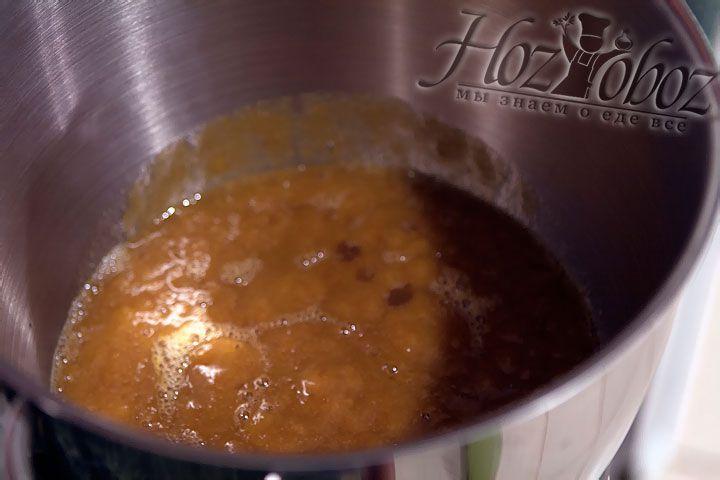 Таким образом необходимо перетереть всю алычу предназначенную для соуса в пюре