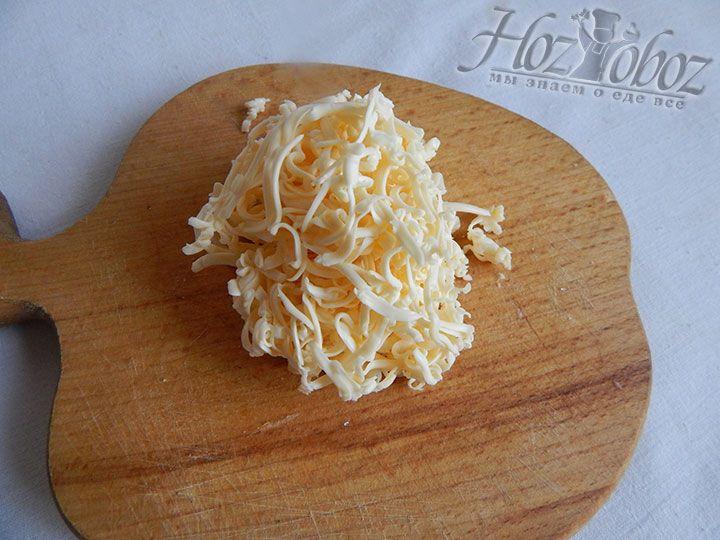 Натираем плавленный сыр