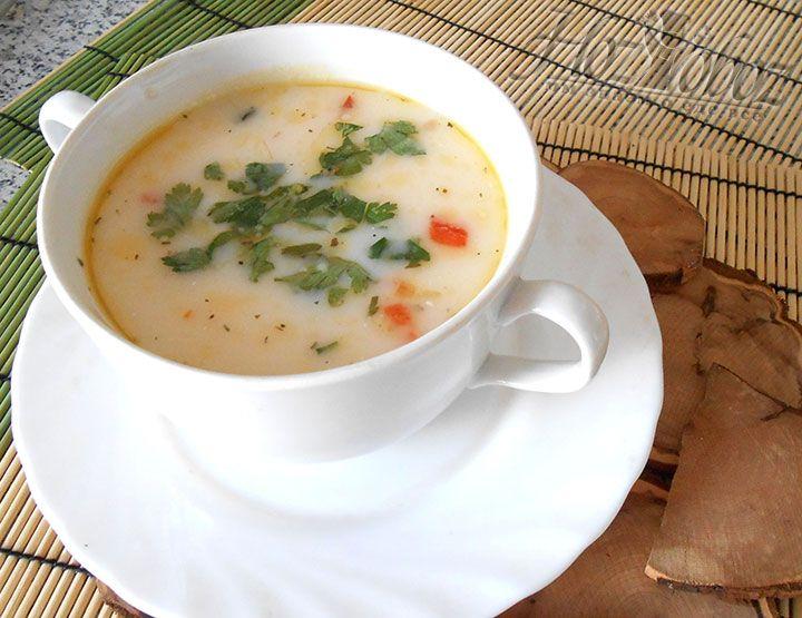 Подавать такой суп следует только горячим в прикусу со свежим хлебом