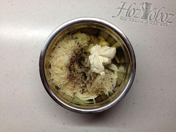 Перед подачей на стол заправляем салат домашним майонезом, приготовленным на основе оливкового масла