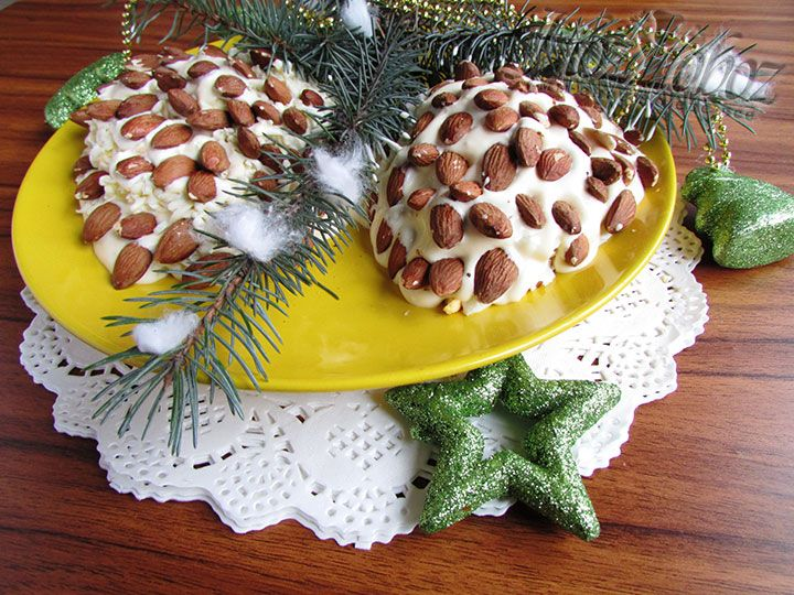 Украшаем кулинарное творение  в меру собственной фантазии и приглашаем всех к столу!