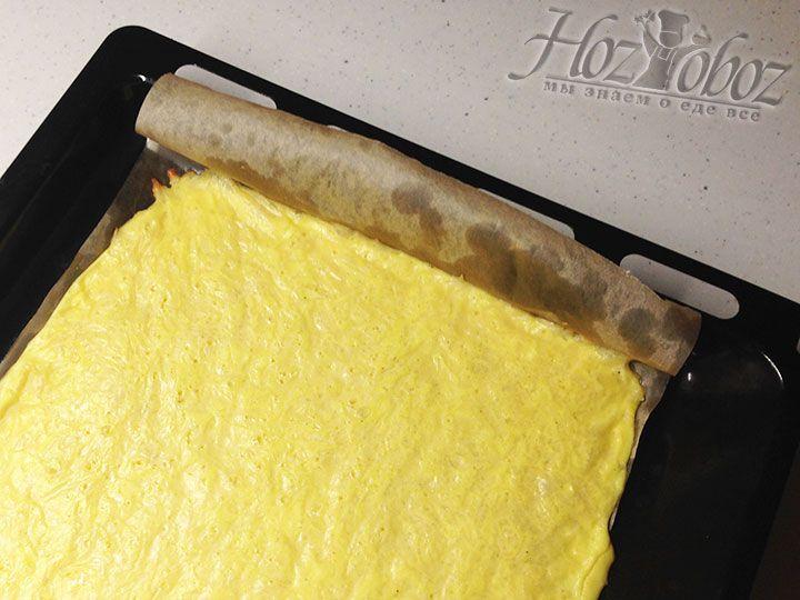 Зарумяненное тесто вынимаем из духовки