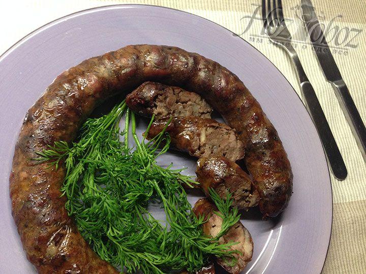 Готовая колбаса выглядит вот так - не правда ли объедение? Чего ждем - все к столу!