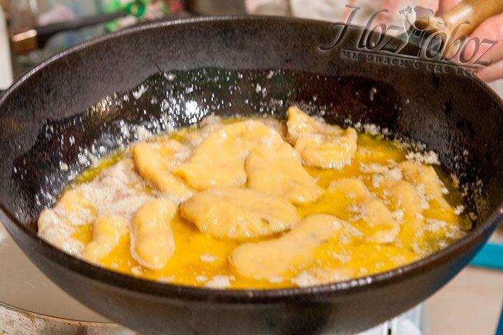 Готовые ньокки окунаем в сырный соус и подаем к столу. Вкуснятина!!!!