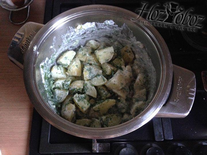 Когда все ингредиенты уже добавлены перемешиваем их и помещаем на огонь еще на 5 минут