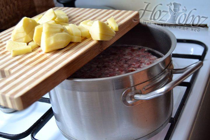 Добавляем к колбасным изделиям измельченный картофель