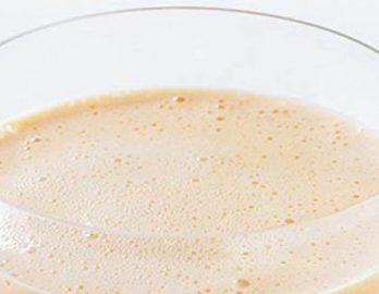 Теперь наш крем готов и после двухчасового охлаждения его можно использовать то ли для торта, то ли для аппетитного ягодного крема. Приятного всем аппетита!