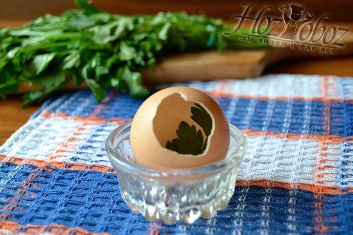 Для создания первого слоя закуски используйте зелень