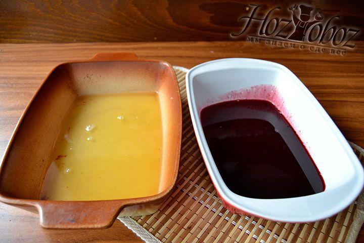 Поместите десерт в жидком состоянии в формы и поместите в холод на 120 минут