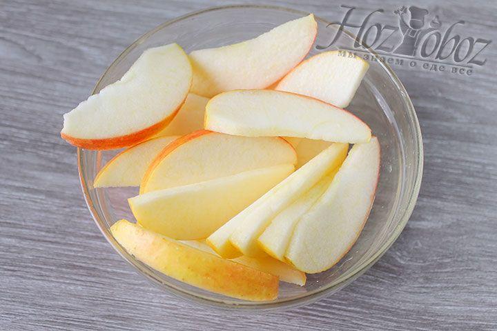 Для рецепта пирога можно использовать любой сорт яблок