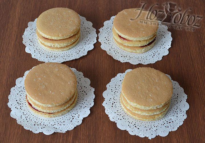 Соберем трехслойное бисквитное пирожное