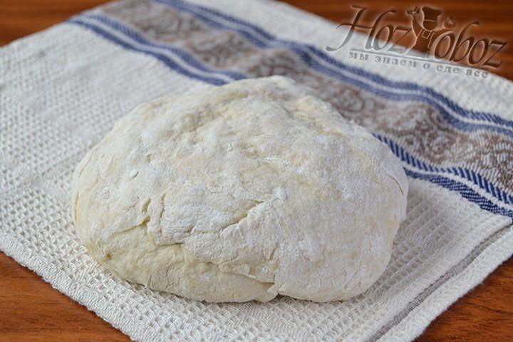 Подготовьте тесто для чебуреков