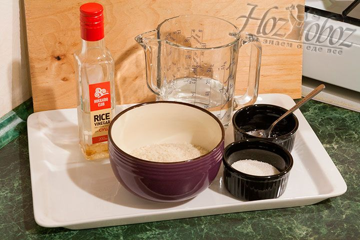 Ингредиенты для приготовления риса для домашних суши