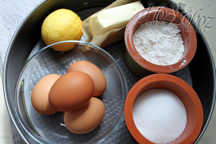Подготовим ингредиенты необходимые для приготовления клубничного торта, в том числе разъемную форму диаметром 24 см