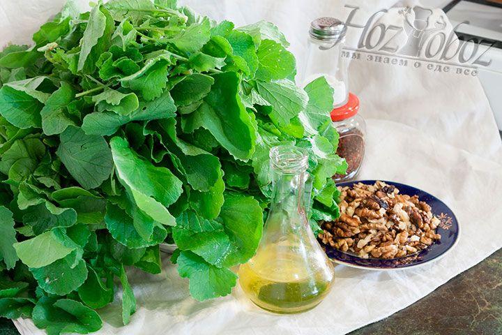 Заранее соберем на столе все продукты, необходимые для приготовления одного из видов пхали