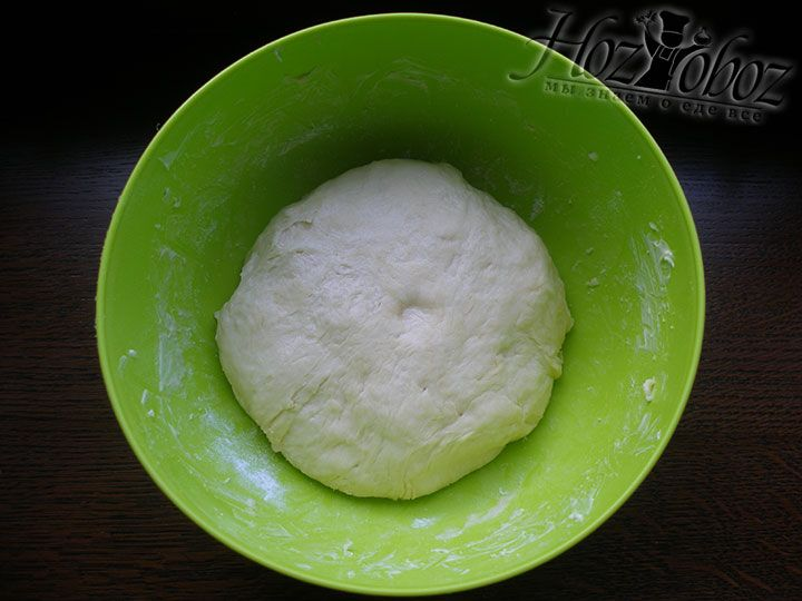 Возвращаем тесто в миску