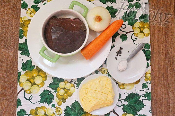 Набор продуктов, которые понадобятся для приготовления паштета