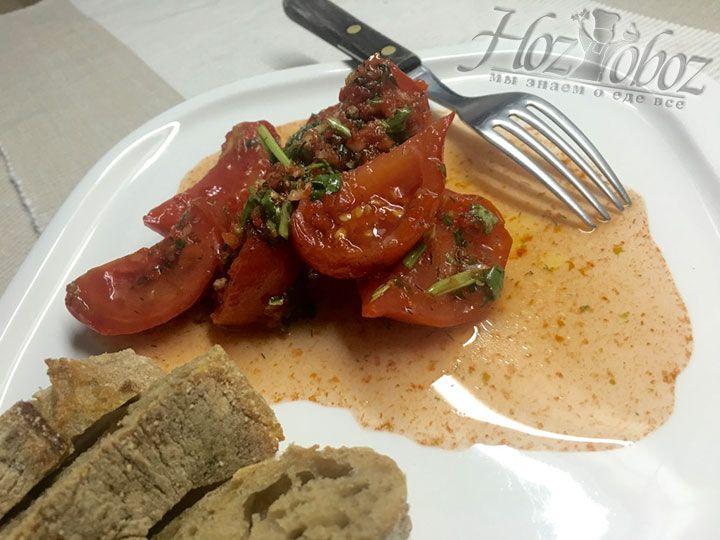 Готовые помидоры по корейски приготовленные без стерилизации станут отличным дополнением и к праздничному, и к повседневному застолью. Приятного всем аппетита!
