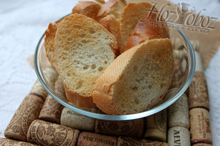 Остужаем тосты для лукового супа