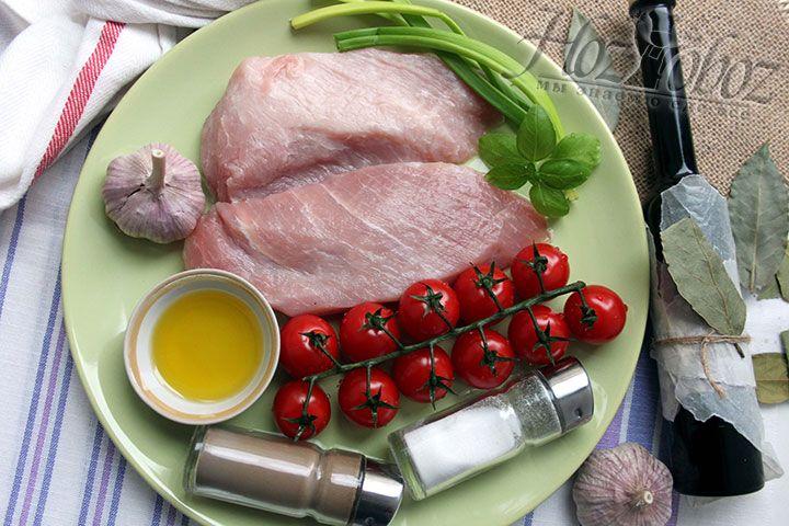 В наборе продуктов для эскалопа особое внимание уделяем качественному свиному мясу