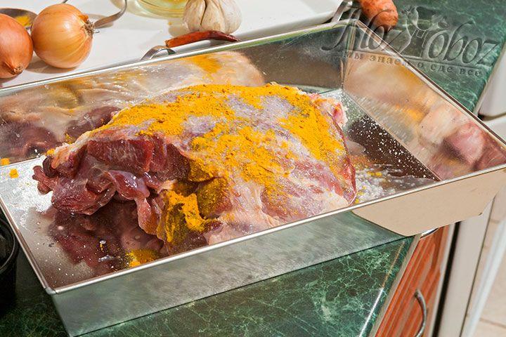 Куркума добавит мясу вкуса и цвета