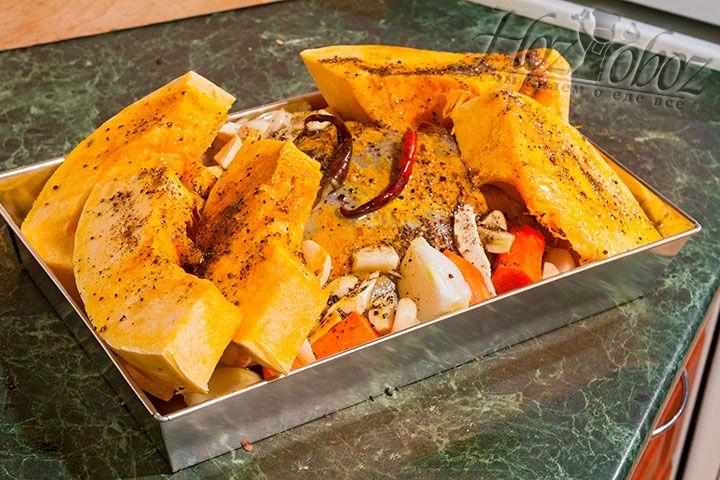Последний ингредиент жаркого – порошок из двух видов перца