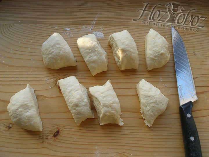Делим тесто на 8 одинаковых частей