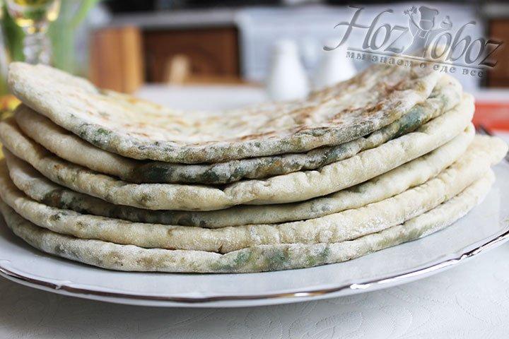 Ну вот и все, армянские лепешки теперь готовы и пора звать всех к столу!