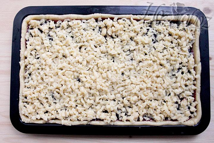 Выпекаем венское печенье в духовке при 160C)