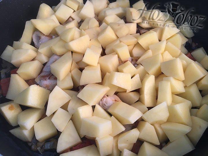 Настала очередь картошки, добавим ее