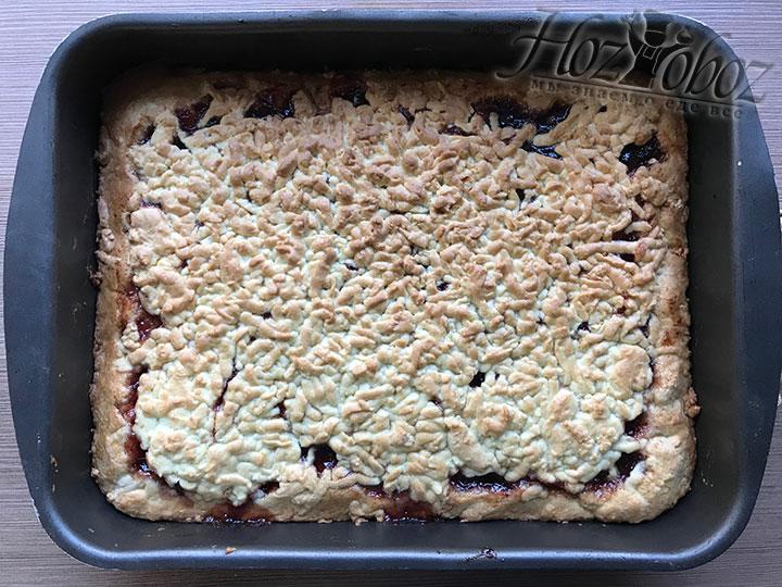 Готовое печенье вынимаем из духовки и оставляем остывать на 20 минут