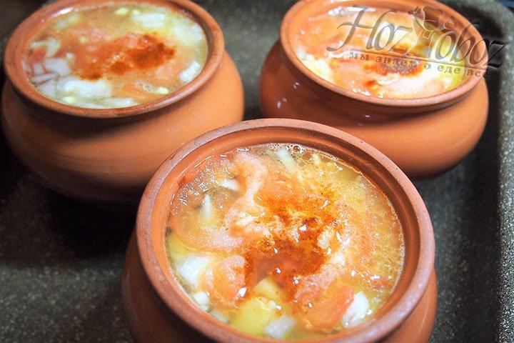 Добавляем соль и перец по вкусу