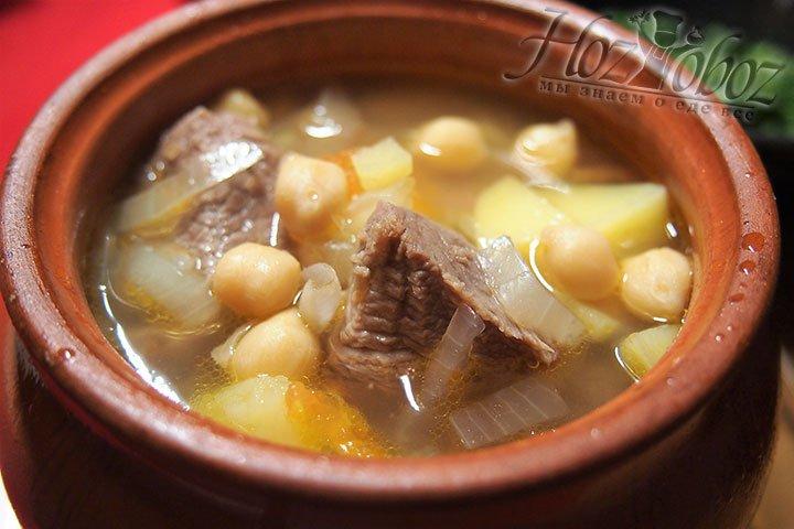 Через 20 минут суп готов, его можно подавать к столу