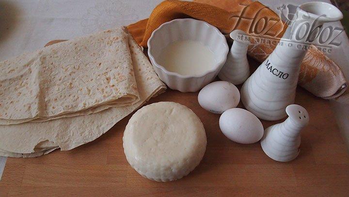 Чтобы приготовить треугольники с сыром подготовим такие продукты